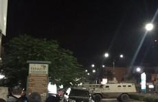 Đang ăn tối trong nhà hàng, 18 người chết dưới làn đạn