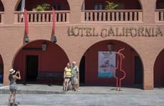 Ban nhạc Eagles kiện khách sạn 'Hotel California'