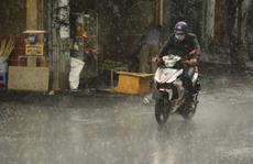TP HCM và nhiều tỉnh lân cận mưa to, gió lớn vì ảnh hưởng bão số 1