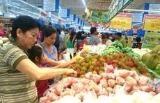 28 Tết: Chợ làm giá, siêu thị đông nghẹt