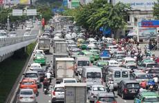 Thu phí để giảm tải cho Tân Sơn Nhất: Sáng kiến hay tối kiến?