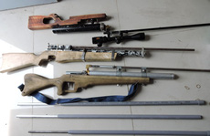 Xử kẻ học trên mạng, tạo hàng trăm bộ phận súng tự chế