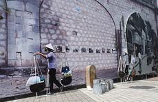Hà Nội: Chưa đục mà vẽ bích họa lên vòm cầu đường sắt