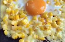 Bắp xào trứng thơm lừng