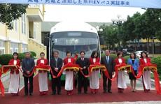 Đi xe buýt năng lượng mặt trời miễn phí tại Cát Bà