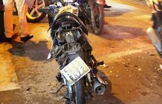 """TP HCM: """"Xe điên"""" tông hàng loạt xe máy rồi điên cuồng bỏ chạy"""
