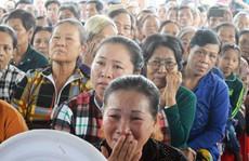 Nhiều người bật khóc tại lễ tưởng niệm nạn nhân bão Linda
