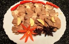 Bắp bò ngâm nước mắm: Món ngon lai rai ngày Tết