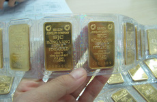 Giá vàng biến động mạnh