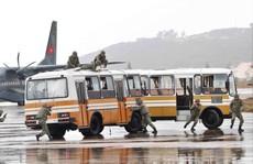 Xem diễn tập chống khủng bố cướp máy bay, uy hiếp con tin