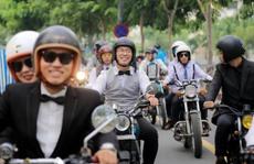 'Quý ông', 'quý bà' cưỡi mô tô, xe cổ gây quỹ từ thiện