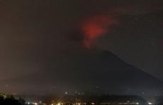 Vẫn còn 40 người Việt kẹt ở Bali sau khi núi lửa phun trào