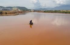 Sông Cu Đê lại tiếp tục đục ngầu nghi do nhà máy xả thải
