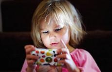 Tác hại của màn hình cảm ứng đối với trẻ nhỏ