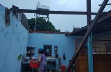 Lâm Đồng: Lốc xoáy 30 phút, hàng chục căn nhà chỉ còn lại vách