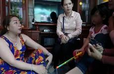 Bé gái nghi bị bạo hành: Mẹ kế nói vết bỏng do dầu mỡ văng trúng