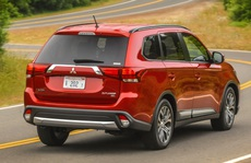 Suzuki, Mitsubishi giảm giá 100 triệu vẫn ế nhất chợ