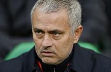 M.U qua vòng 1/16 Europa League, Mourinho vẫn giận Baily