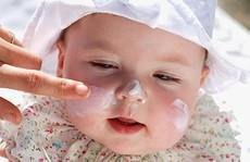 Thận trọng với hóa chất độc hại 'bủa vây' mỹ phẩm cho trẻ em
