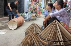 Giữ hồn nón Việt