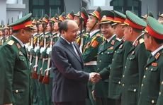 Thủ tướng kiểm tra trực sẵn sàng chiến đấu của tình báo quân đội
