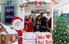 Ngạc nhiên  với không khí Giáng sinh ở sân bay Nội Bài