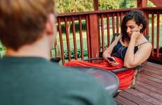 Giới trẻ bất an nếu không có smartphone bên người