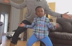 Cặp bố con gây 'sốt' mạng xã hội bằng video nhảy ngộ nghĩnh
