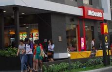 Bánh mì Việt chiến thắng burger Mỹ