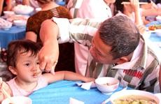 Rớt nước mắt ở 'bữa ăn hạnh phúc' của người tù