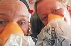 Máy bay gặp sự cố, tiếp viên còn hoảng loạn hơn khách
