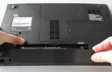 Có nên tháo pin laptop để tránh bị chai?
