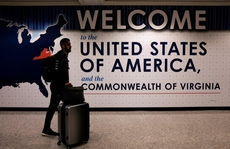Các hãng hàng không chật vật vì quy định mới của Mỹ