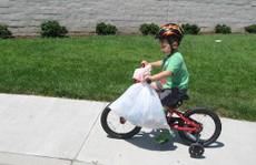 Mới 7 tuổi đã làm chủ công ty tái chế