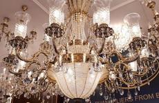 Ngắm đèn chùm giá nửa tỷ đồng thả dáng đẹp hút hồn