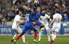 Pháp bại trận ở sân nhà, Bồ Đào Nha thua ngược Thụy Điển