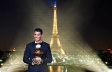 Nike tung giày 'độc' mừng Quả bóng vàng Ronaldo