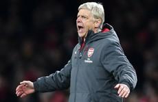 Wenger tức giận và thất vọng sau trận thua M.U