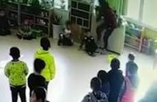 Cô giáo mầm non đấm, tát, đạp vào ngực học sinh dã man