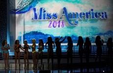 Dàn lãnh đạo Hoa hậu Mỹ từ chức sau bê bối phỉ báng