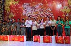 Lãnh đạo TP HCM vui Tết cùng công nhân