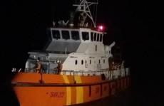 Tàu chìm, 4 ngư dân mất tích trong đêm