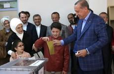 Cuộc trưng cầu ý dân gây chia rẽ Thổ Nhĩ Kỳ
