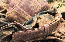 Tìm thấy quần áo, ví da của Thượng tá biên phòng mất tích