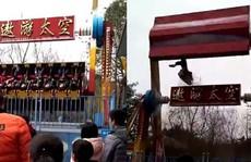 Trung Quốc: Văng khỏi đu quay, bé gái chết thảm