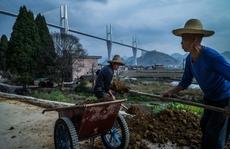 Trung Quốc: Cầu càng cao, nợ càng chồng chất