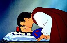 GS Nhật bị 'ném đá' vì nói Hoàng tử quấy rối tình dục Bạch Tuyết