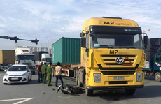 Xe container lại gây họa ở TP HCM
