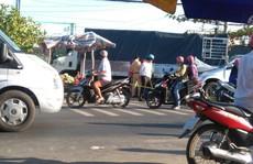 Cạy cửa xe 7 chỗ cứu 6 người gặp nạn lúc rạng sáng