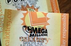 Ai đã 'ẵm' giải xổ số độc đắc 450 triệu USD?